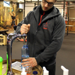 Trink Oase News Sondereinbau Fitnessstudio Wasser zapfen
